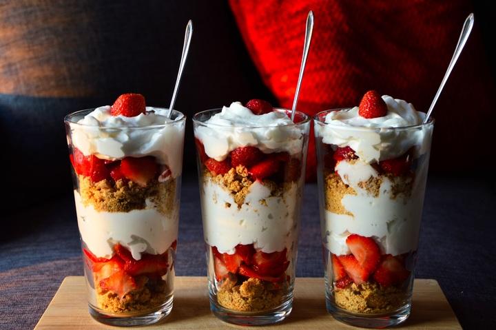 Recepta fàcil: iogurt amb fruits del bosc