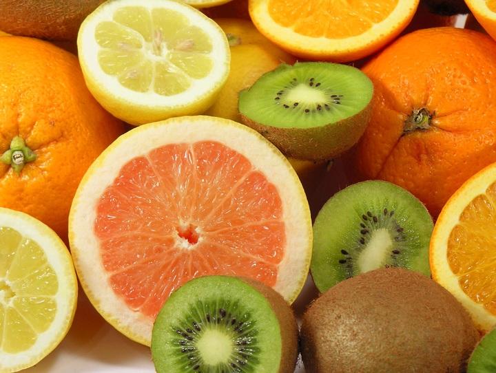 frutas de invierno servidas a los comedores escolares